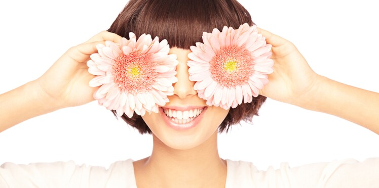Les cils marguerite : découvrez cette  tendance make-up qui redevient ultra branchée