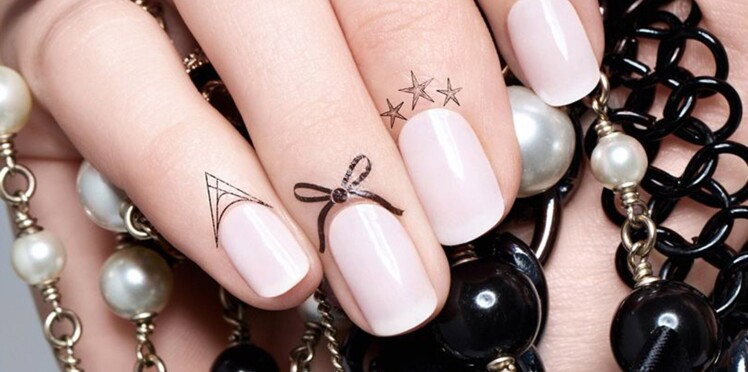 Les tatouages pour cuticules, nouvelle tendance manucure