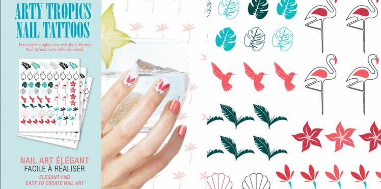 Vite, des tatoos d'ongles tropicaux !