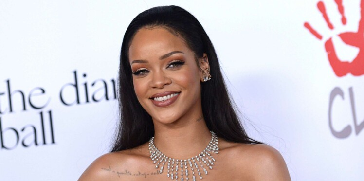 Rihanna ose une coiffure improbable