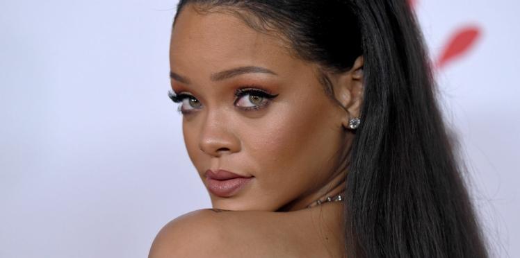 Rihanna cède à la tendance poilue en affichant ses jambes non épilées