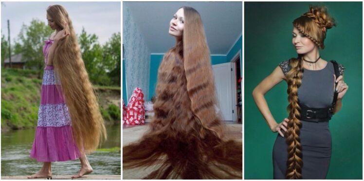 Cette russe a des cheveux incroyablement longs… et en plus ils sont brillants !