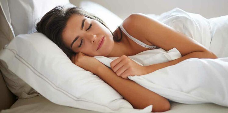 De beaux cheveux et une jolie peau grâce à une taie d'oreiller