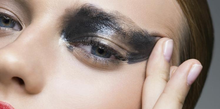 PHOTOS : Une femme ne se démaquille pas pendant 25 ans, le résultat est effrayant