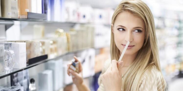Comment faire tenir son parfum toute la journée ?