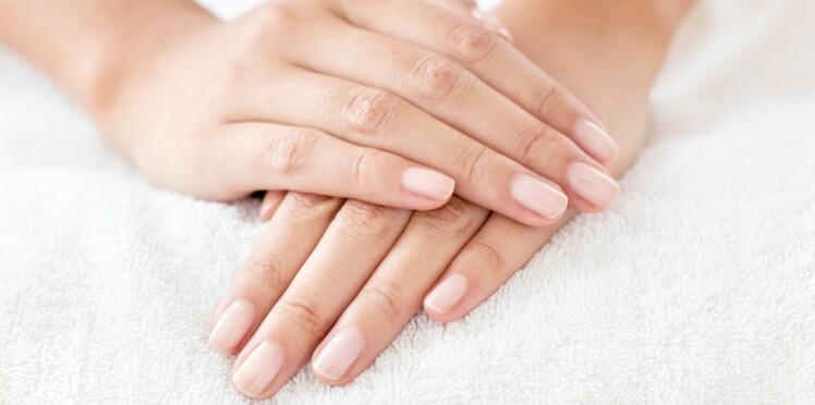 3 gestes SOS mains sèches
