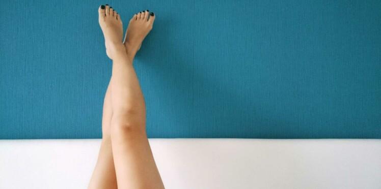 Jambes lourdes : 5 soins pour les soulager illico
