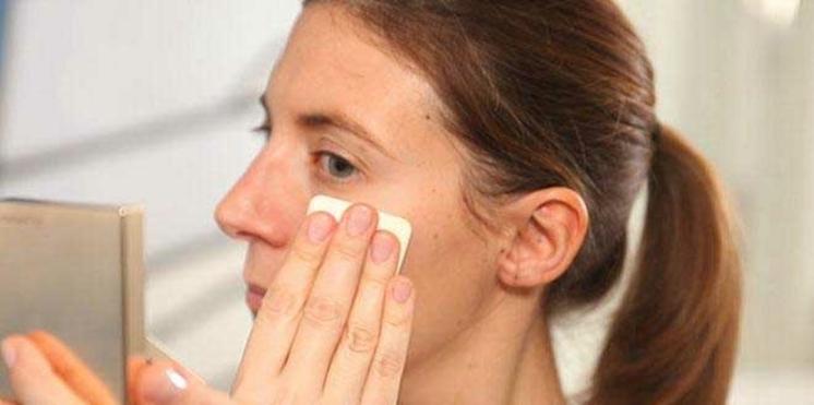 Vidéo : 3 gestes à connaître quand on a la peau grasse