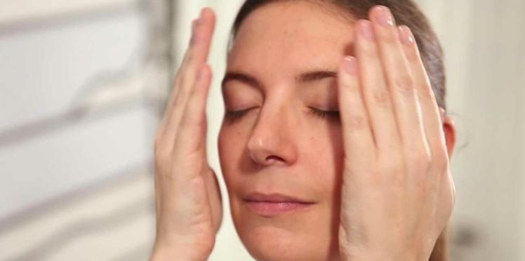 Vidéo : 3 gestes à connaître quand on a la peau sèche