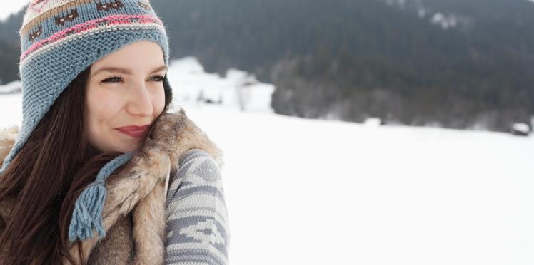 Chevelure terne, nez rouge, peau qui tire... 8 conseils pour rester belle malgré le froid