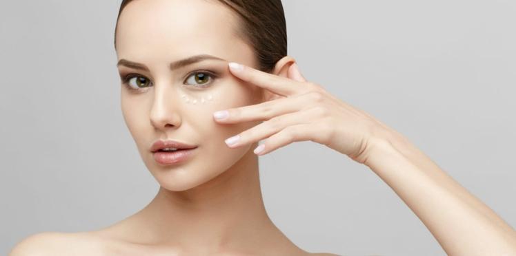 Je réveille mon regard grâce au maquillage et aux soins