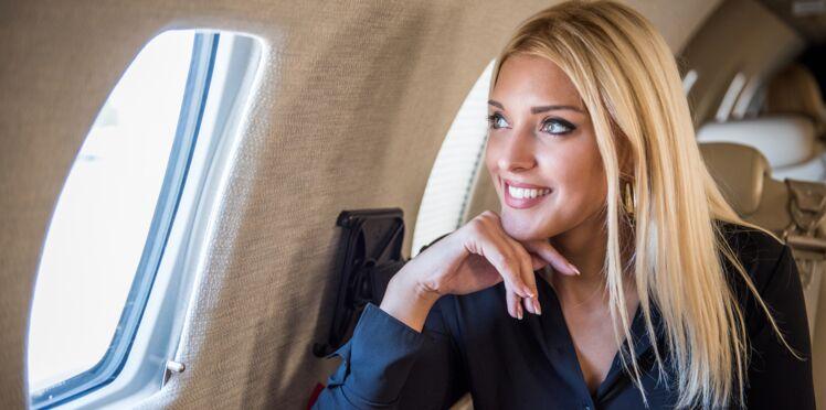 Les 6 conseils beauté des hôtesses de l'air pour voyager en avion