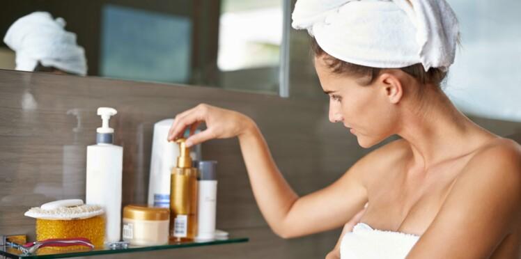 Toniques, crèmes, sérums... dans quel ordre appliquer ses soins visage ?