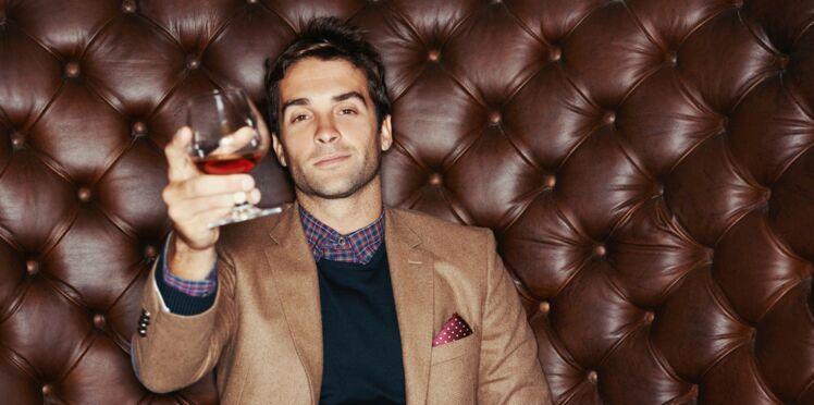 Les hommes regardent les femmes différemment après avoir bu, c'est la science qui le dit