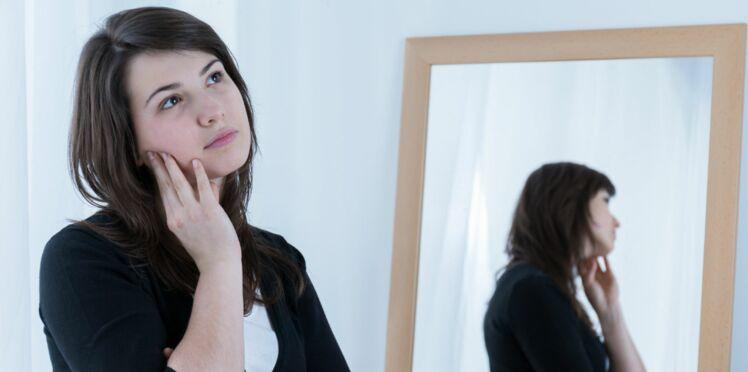 Se parler à soi-même serait très bon pour nous : on vous explique pourquoi