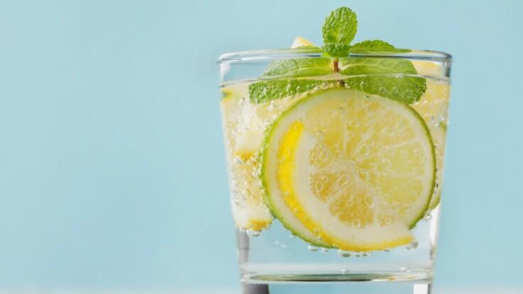 4 bonnes raisons de boire de l'eau citronnée le matin