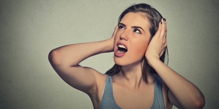 Certains bruits vous rendent folle? On sait pourquoi…