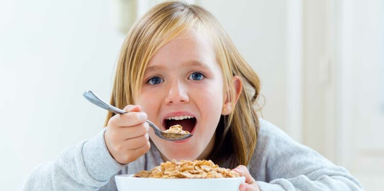 Beaucoup de sucre et peu de céréales dans les petits déjeuners des enfants