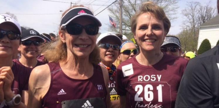 50 ans plus tard, elle court à nouveau le marathon de Boston