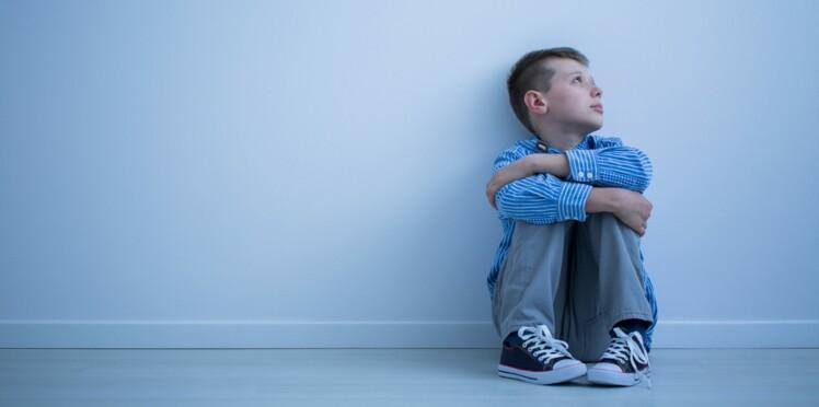 Un papa écrit une lettre touchante aux proches qui rejettent son fils autiste