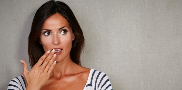 Vidéo : pourquoi a-t-on mauvaise haleine le matin ?