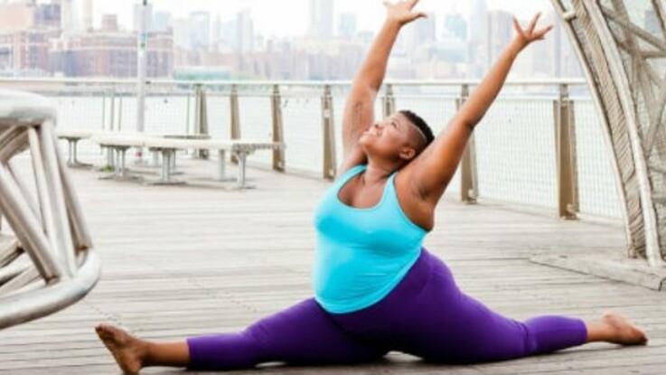 Cette prof de yoga grande taille met fin à nos complexes