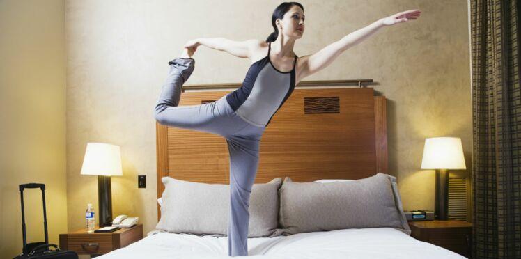 Vidéo : faire du yoga chez soi, pas toujours une bonne idée !