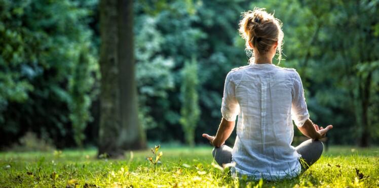 Faire du yoga pieds nus, mettre les mains dans la terre : 10 façons de se mettre au vert !