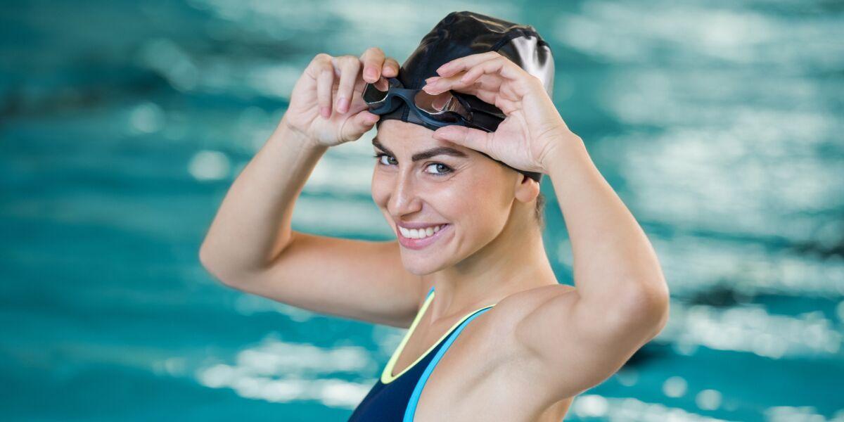 Aquagym 6 Exercices à Faire Toute Seule à La Piscine Femme Actuelle Le Mag