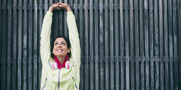 Des bras fins et musclés grâce à 3 exercices faciles