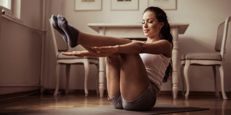 Pilates : 5 exercices maison pour préparer l'été