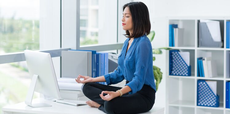 Yoga : 3 exercices à faire au bureau, ni vu, ni connu !