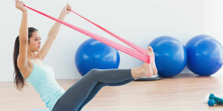 Fitness: 6 trucs à faire avec un élastique