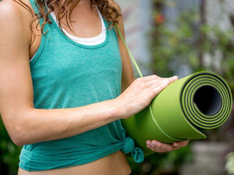 Tapis De Sport Comment Le Choisir Pour Faire Du Yoga Femme