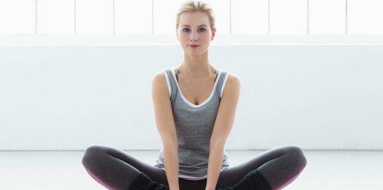 Vidéo : des exercices de yoga pour un ventre plat