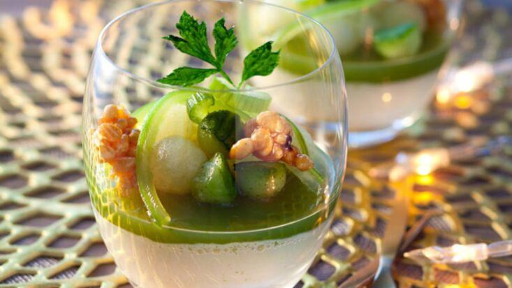 La recette de la gelée de concombre acidulée et riz soufflé au caramel par Yves Camdeborde