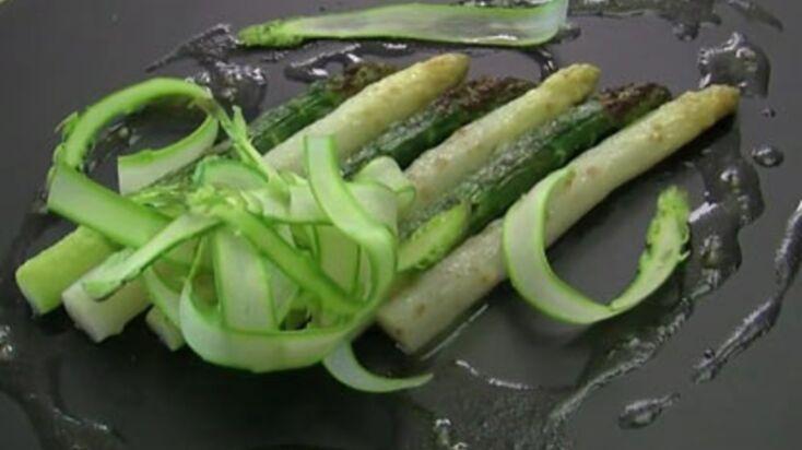 Gratin d'asperges vertes et blanches au parmesan
