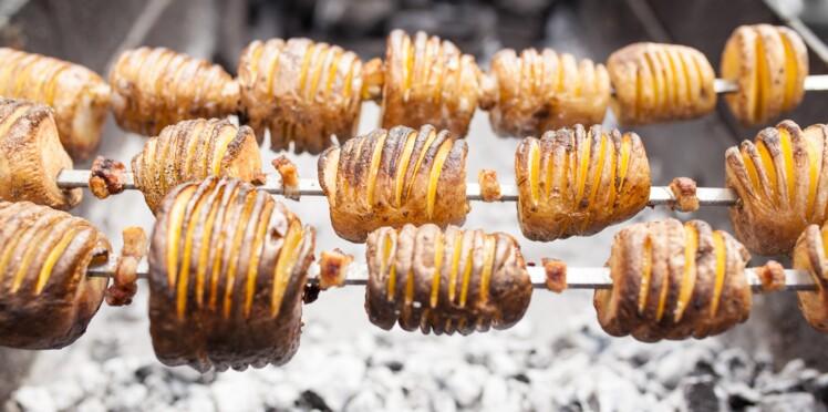 4 façons de faire cuire les pommes de terre au barbecue