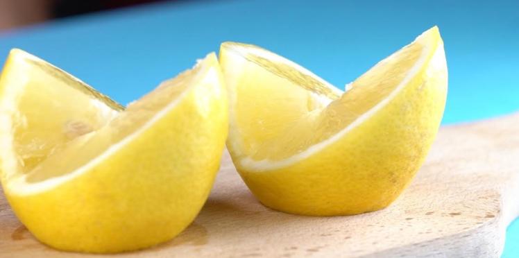 Comment couper un citron de façon originale pour décorer un plat ?