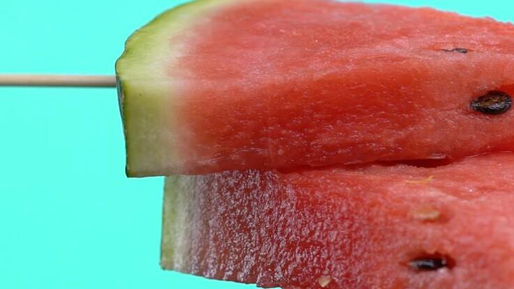 Comment couper des sucettes de pastèque