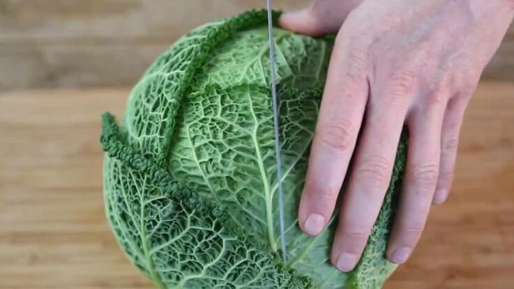 Comment couper facilement un chou vert  ?