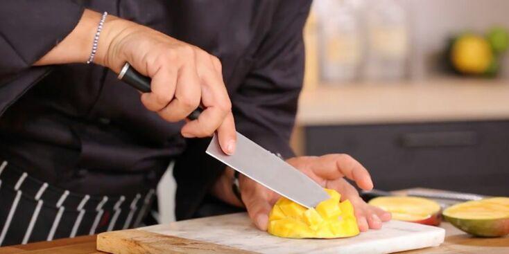 Comment découper une mangue en forme de hérisson ?