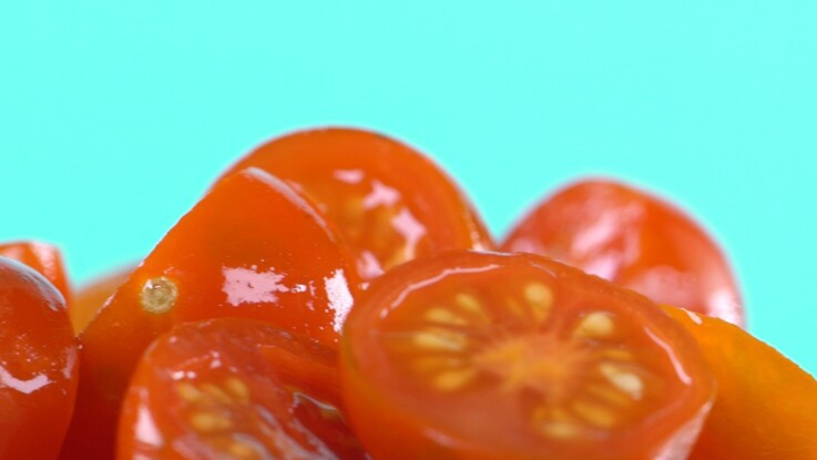 L astuce géniale pour couper les tomates cerises   Femme Actuelle Le MAG 7bd44eca31a