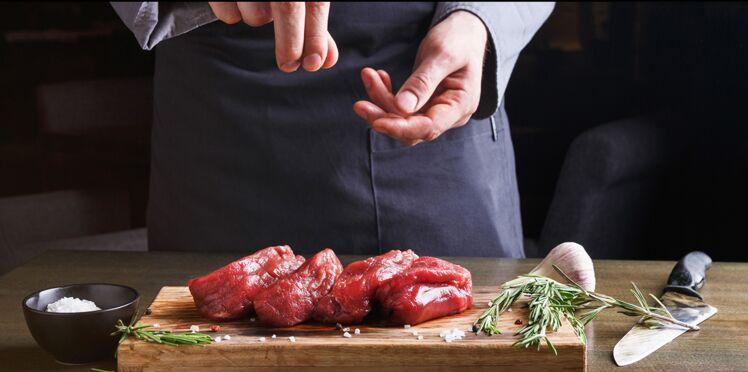 Pourquoi faut-il toujours saler les aliments avant cuisson ?