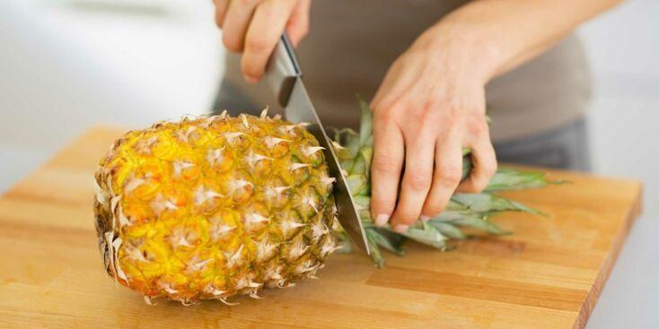 VIDEO - Comment découper un ananas en spirale