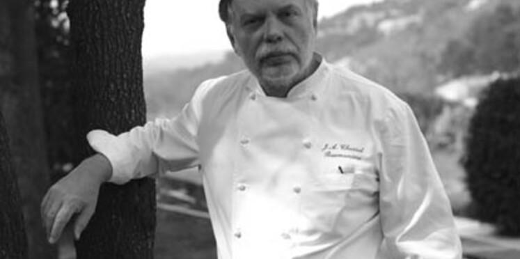 Jean-André Charial crée une pizza pour La Boîte à Pizza
