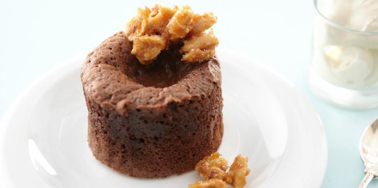 Vidéo : le fondant au chocolat et fromage frais, cacahuètes au caramel