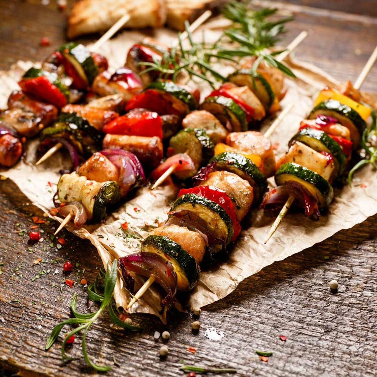 Préparer Un Barbecue Pour 20 Personnes barbecue : je sers quoi avec ? nos meilleures idées d