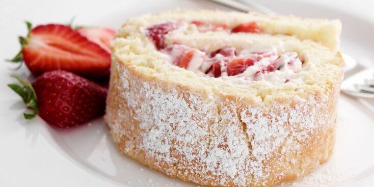 La recette du biscuit roulé aux fraises (vidéo)