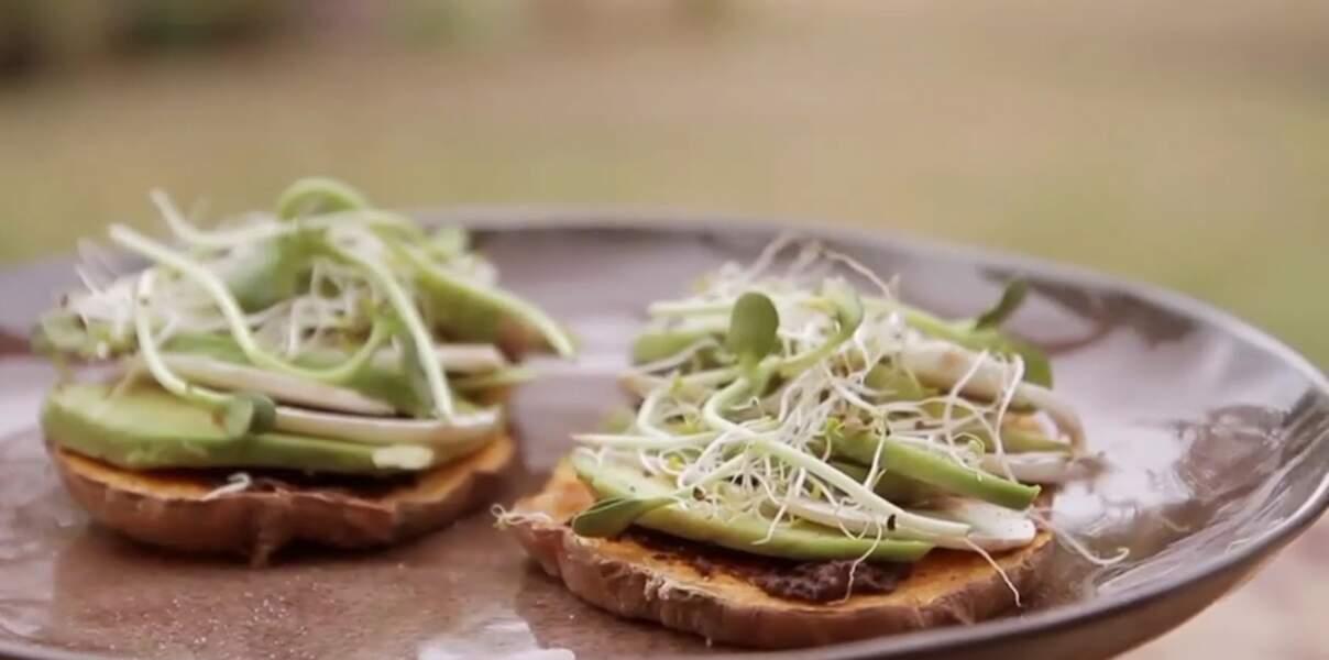Vidéo : tartines express de patates douces et d'avocat